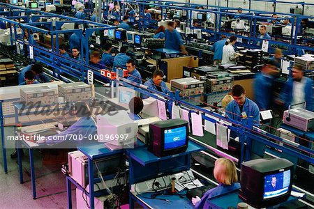 COMPUTERS IN MANUFACTURING INDUSTRIES